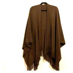 Sweaters - Brown fringe poncho